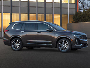 2020 Cadillac XT6 parked in city