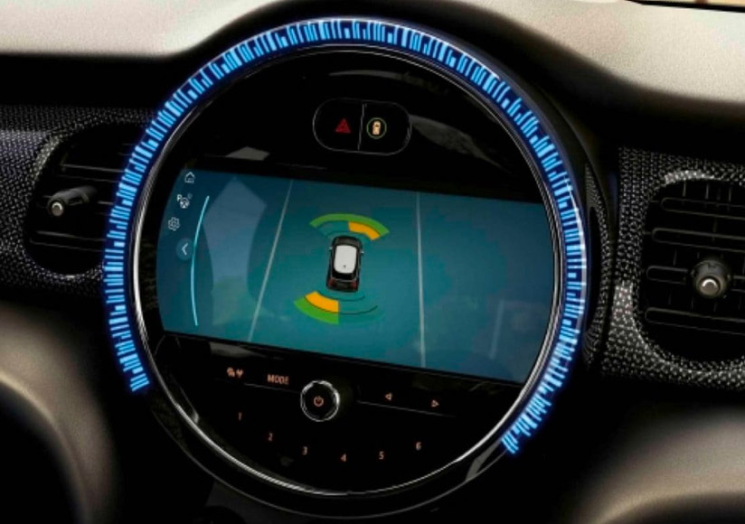 A close up of the technology available in the 2022 MINI Cooper SE Hardtop 2 Door.